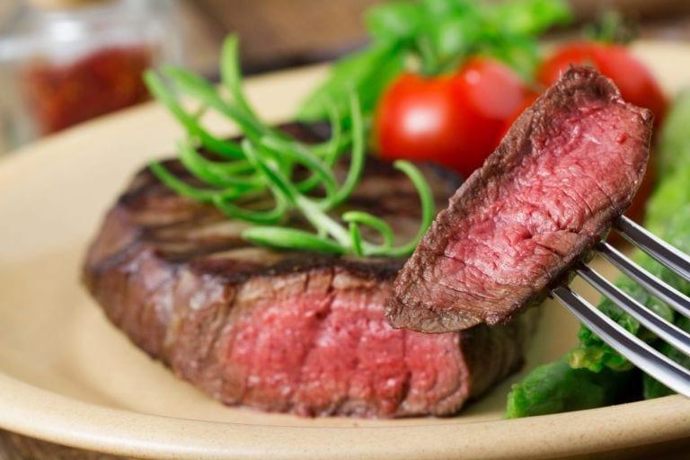 8 zasad, jak smażyć steki