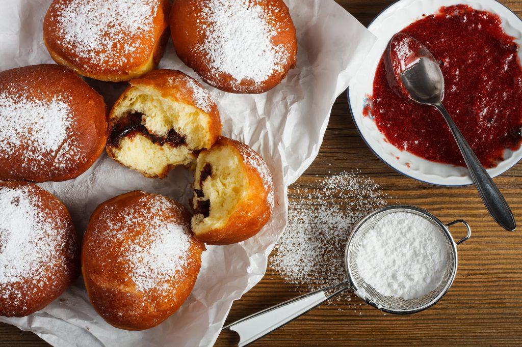 Jak smażyć pączki? Przepis tradycyjny