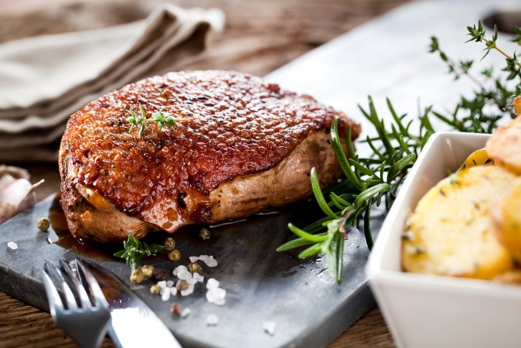 Jak usmażyć pierś z gęsi? Najlepsza gęsina bez tajemnic