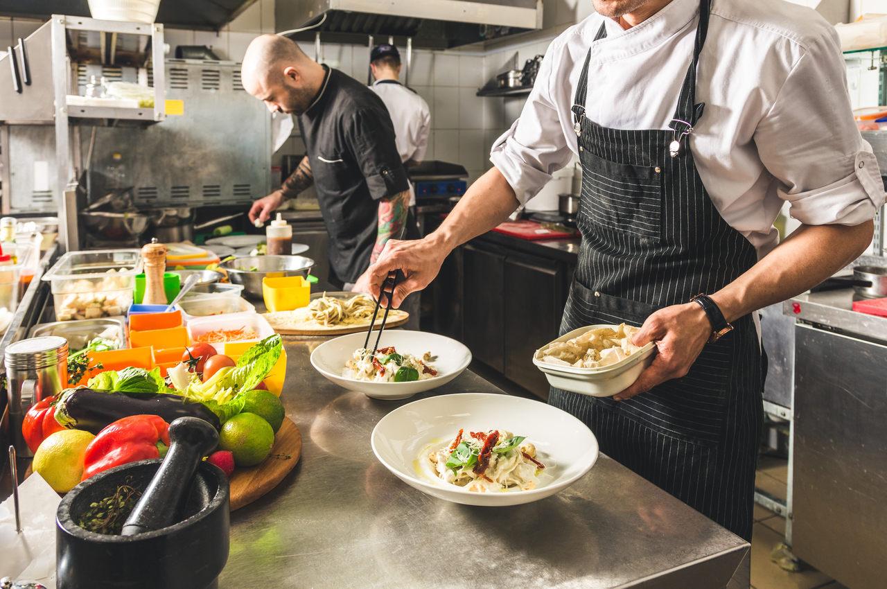 Jak smażyć w kuchni wegańskiej? O tym musisz pamiętać!