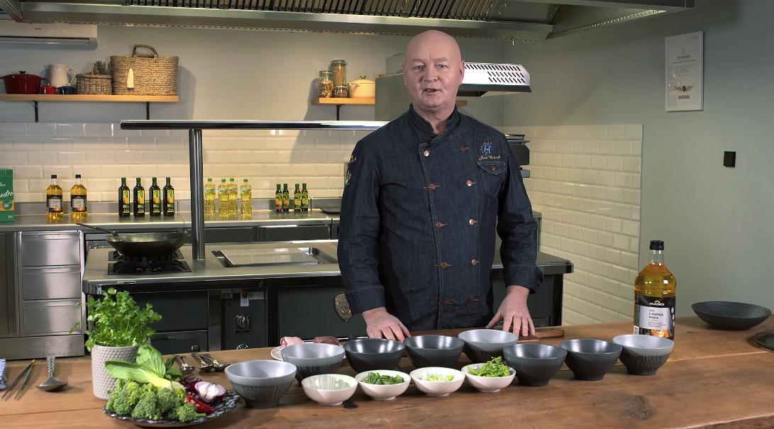 Jak usmażyć jagnięcinę stir fry z warzywami? Jarek Walczyk