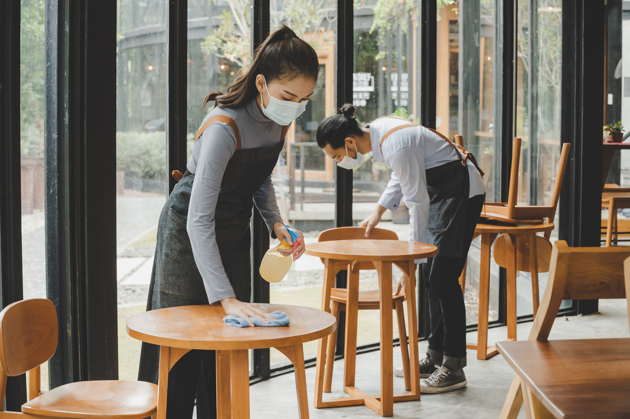 Bezpieczna obsługa klientów lokalu gastronomicznego