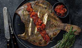 Jak smażyć ryby płaskie z białym mięsem?