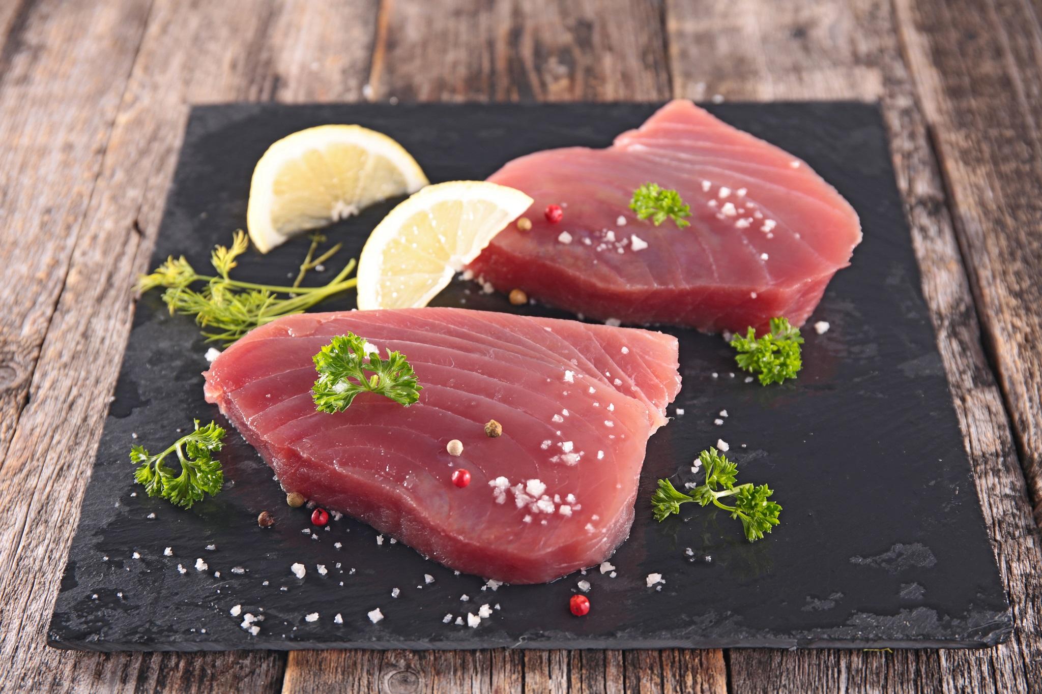 Jak usmażyć tuńczyka i miecznika?