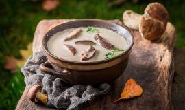 Zupa grzybowa (przepis) – jak nadać jej niepowtarzalnego smaku?